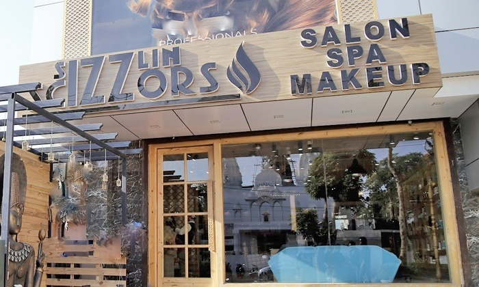 Sizzlin scizzors c block malviya nagar special offers on for Adamo salon malviya nagar