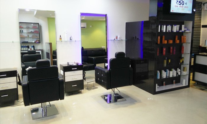 The page 3 unisex salon shivalik enclave special offers for Page 3 salon chennai