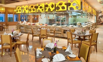 Buy 3, Get 25% Cashback: Lunch & Dinner Buffets with Drinks